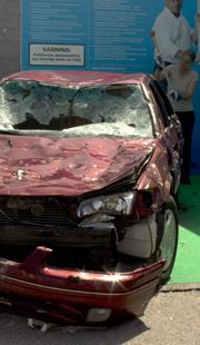 Sönderslagen bil under Almedalsveckan 2014